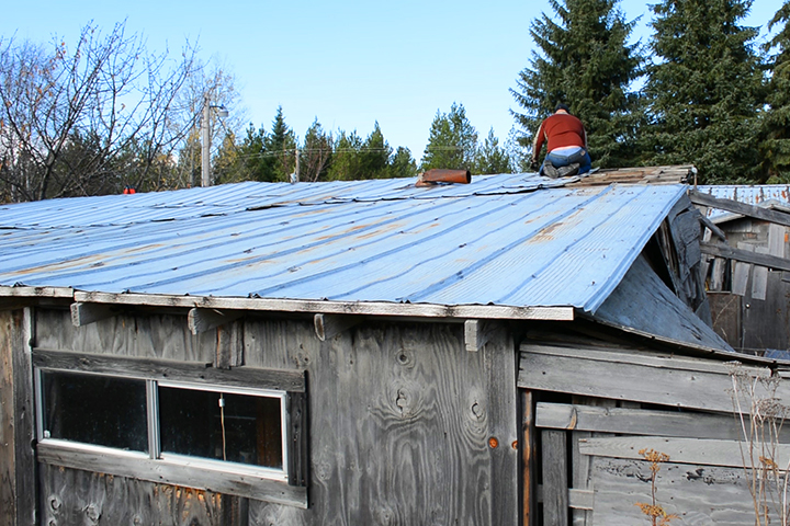 finding reclaimed construction materials - metal galvanized roofing