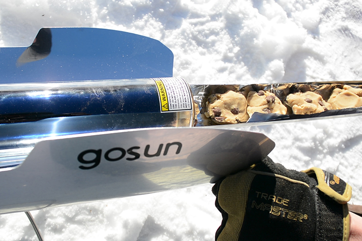 best solar oven - gosun stove sport edition - chocolate chip cookies