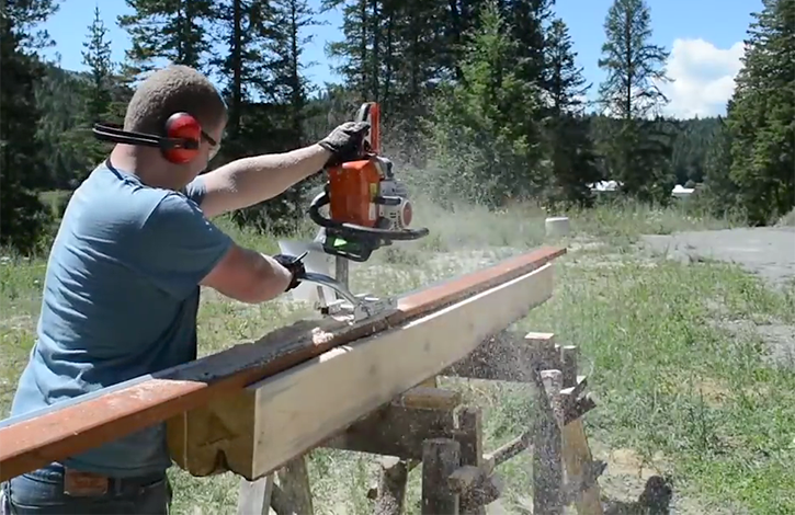 using mini alaskan chainsaw mill for timber framing