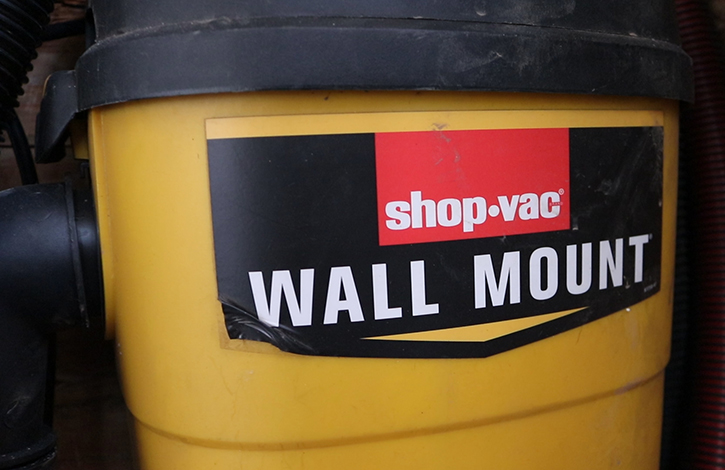 shop vac wall mount